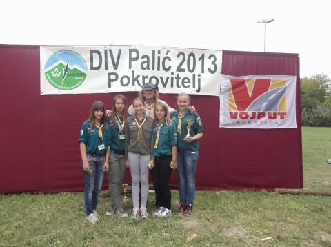 Naše devojke izviđači su takođe visokorangirane i nagrađene! :-) - Vođa Odreda Spartak i članovi devojačke takmičarske ekipe i izviđačke patrole Odreda izviđača Spartak iz Subotice, na DIV-u Palić 2013, čiji je pokrovitelj bila firma Vojput iz Subotice.